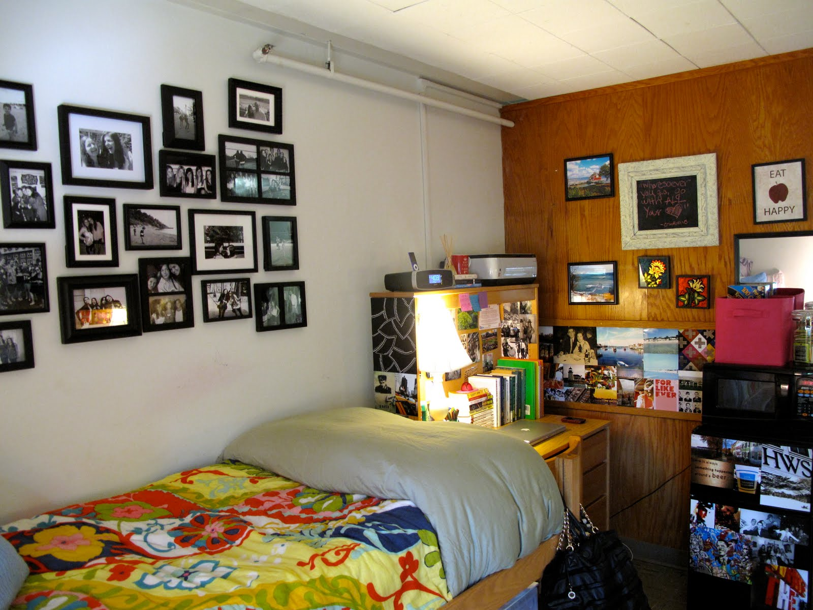 ladies and gentlemen the dorm room ak studio. Black Bedroom Furniture Sets. Home Design Ideas