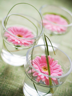 Gifts For Your Guests: Mini Glass Flower Pots