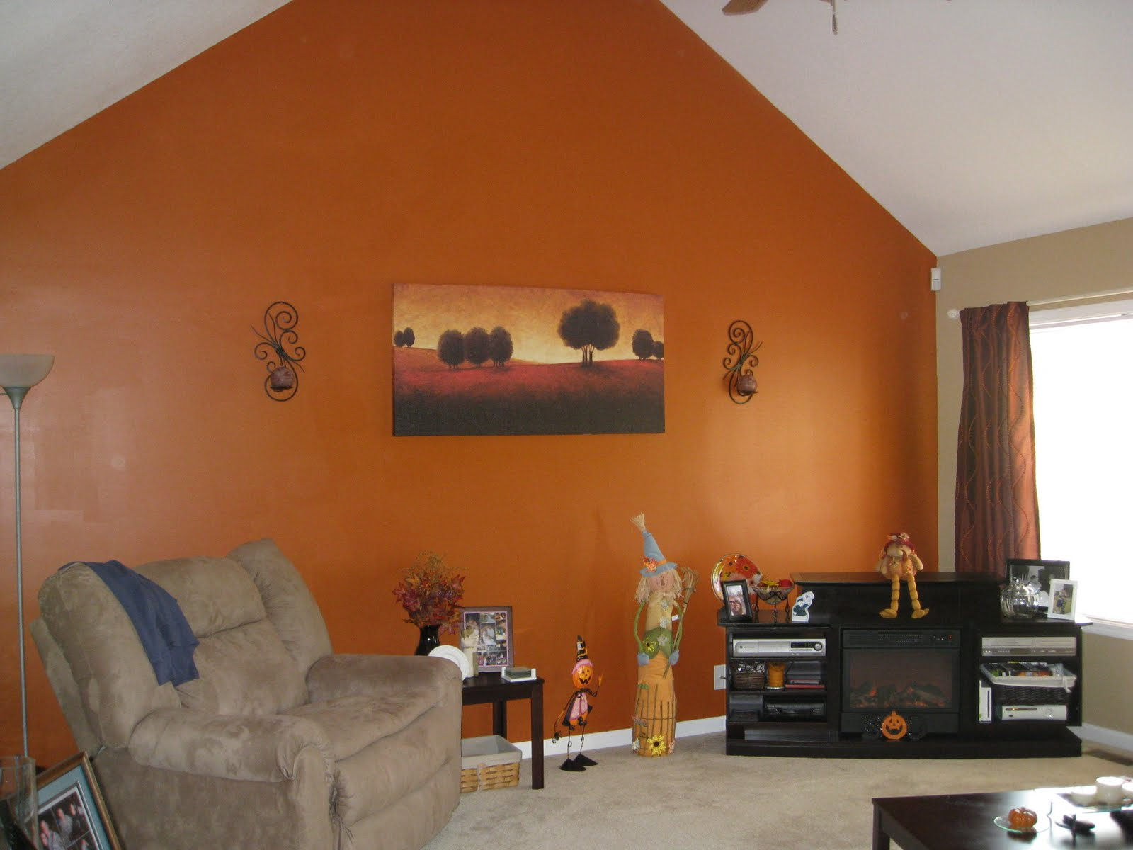 The evans 39 - Burnt orange accent wall ...