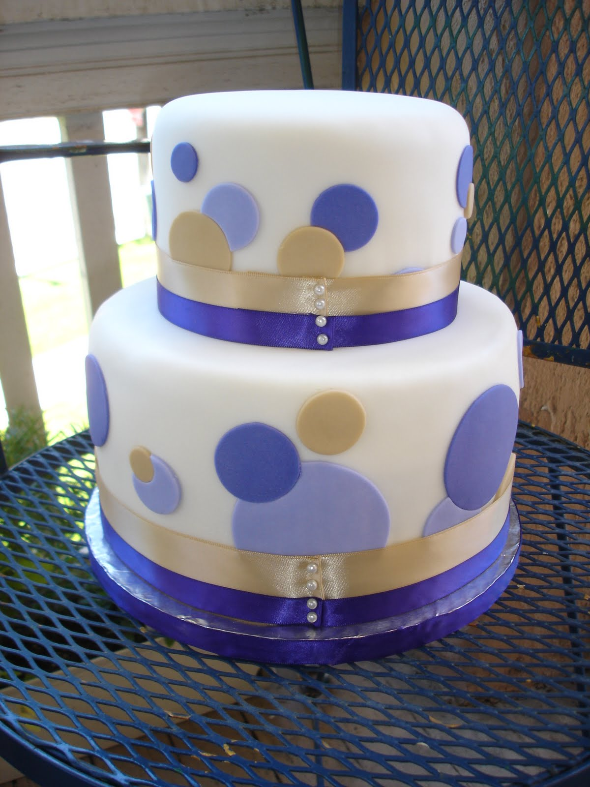 Cake As An Art A Polka Dot Wedding Cake