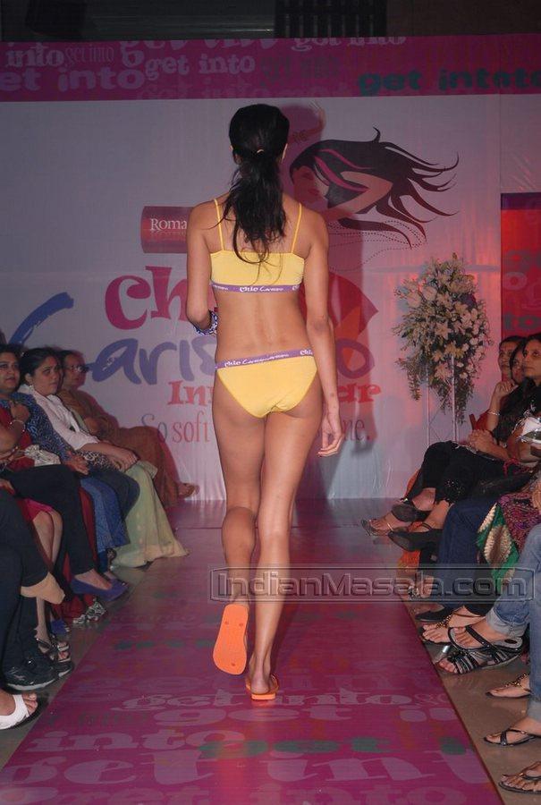 Hilliary duff in bikini curious