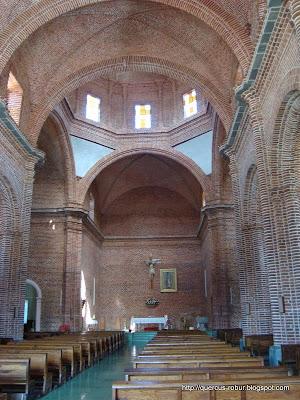Vista interior del templo nuevo de San Antonio