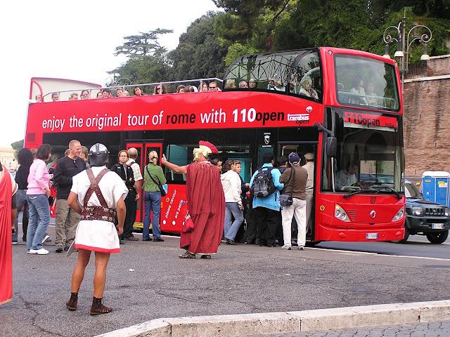 Postales de Roma, Italia, Elisa N, Blog de Viajes, Lifestyle, Travel, coliseo