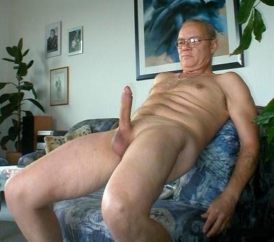 gay abuelo con nene