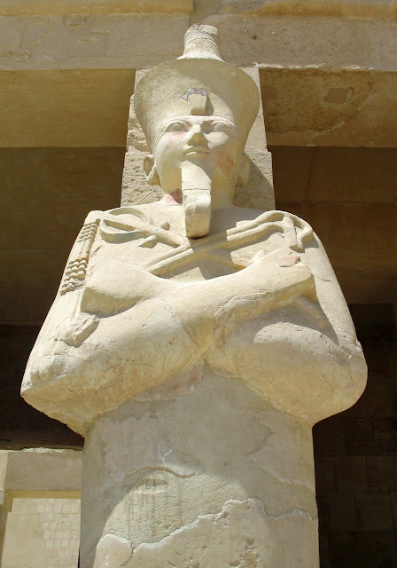statue of queen hatshepsut