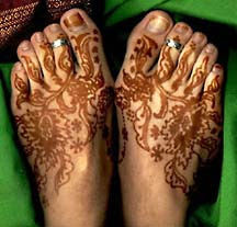 Mehndi designs on legs