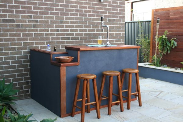 Moving On Up Diy Outdoor Bar