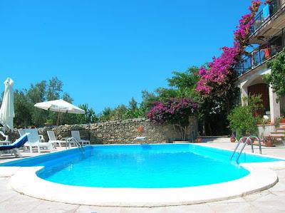 Villa con piscina vista mare riviera dei cedri calabria italia - Villa dei sogni piscina ...