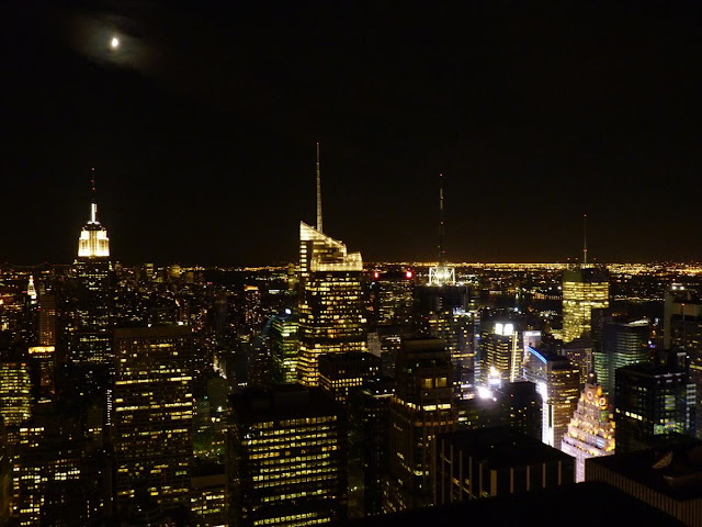 top of the rock de noche