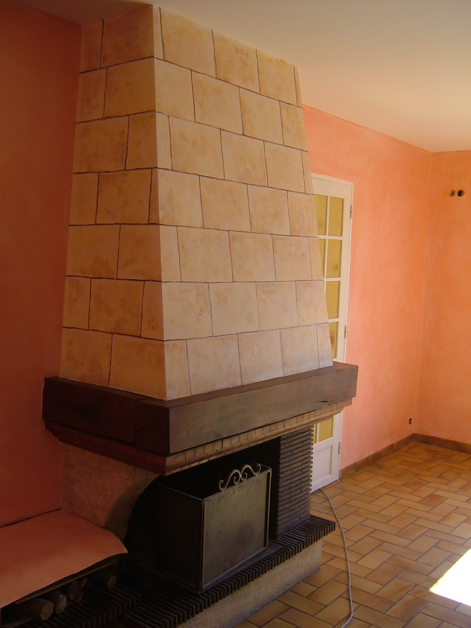 Peintures et d cors patine murale et fausse pierre sur la - Peinture pour hotte de cheminee ...