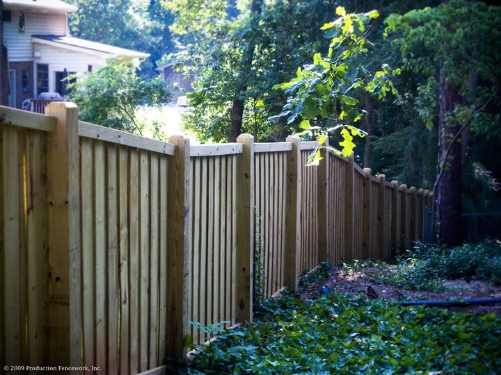 Wood Privacy Fence Pictures Wooden Privacy Fencing Images
