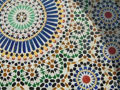 Note: you cna also add some Moroccan tiles to your bathroom to give a Moroccan feel...