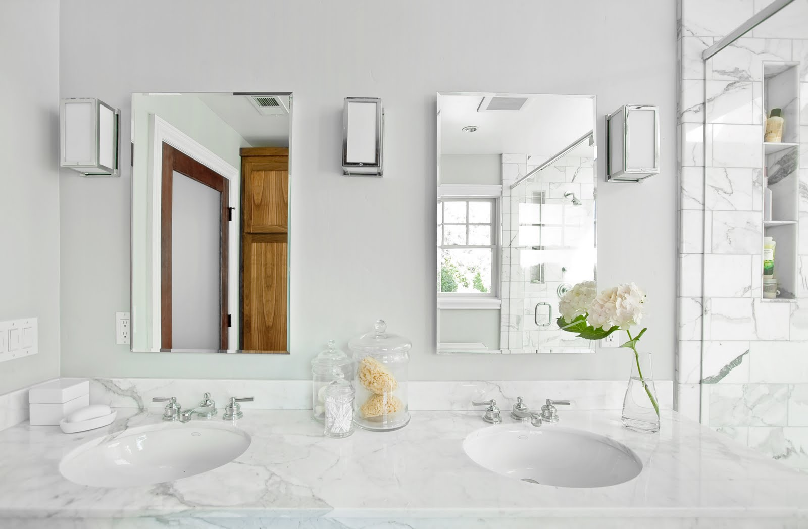 The Granite Gurus: Carrara marble bathroom