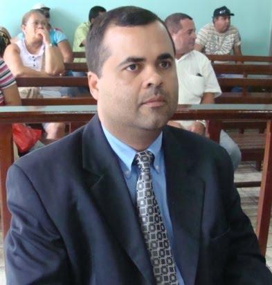 Hoje é o dia do aniversário do vereador Danilo Melo e nosso blog vai á  procura do 0800. a67b6135fc