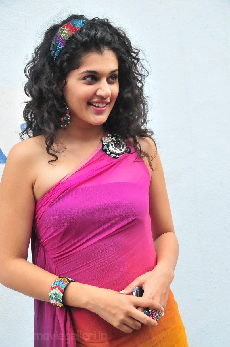 Cute Tamil Actress Wallpapers Tapsee Latest Images Tapasee Actress Pics Tapsee Photo