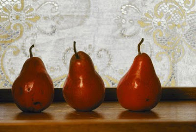 Grace Taulor, 3 red pears