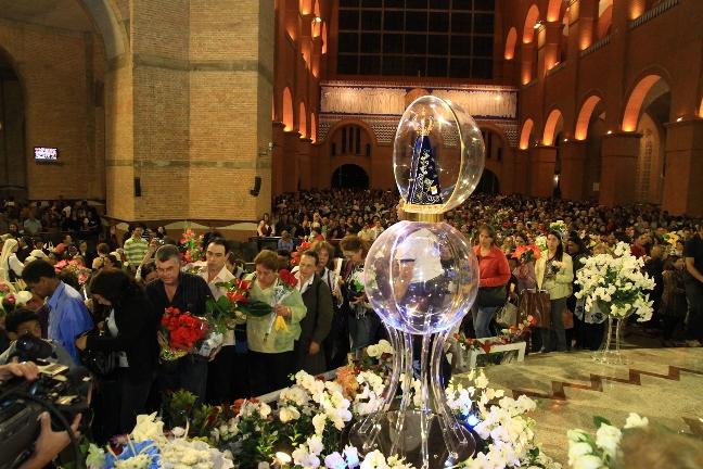 Festa De Nossa Senhora Aparecida: SANTUÁRIO DAS GRAÇAS EM FLORÂNIA: FESTA DE NOSSA SENHORA