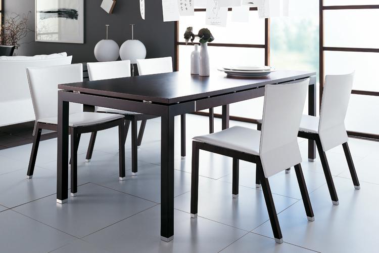 Consigli per la casa e l 39 arredamento consigli utili per la scelta del tavolo e delle sedie - Dimensioni tavolo biliardo casa ...