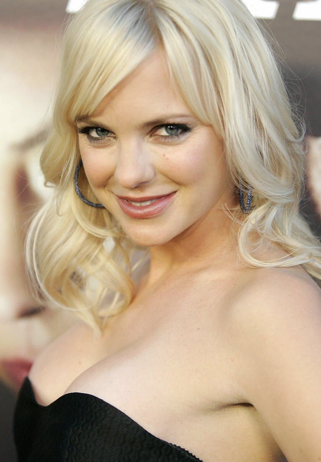 Anna Faris high quality pictures - My Wallpapers
