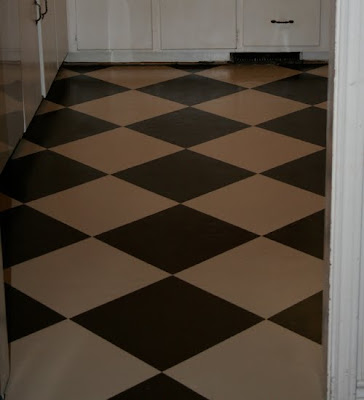 Remodelaholic check mate painted checkered kitchen for Checkered lino flooring