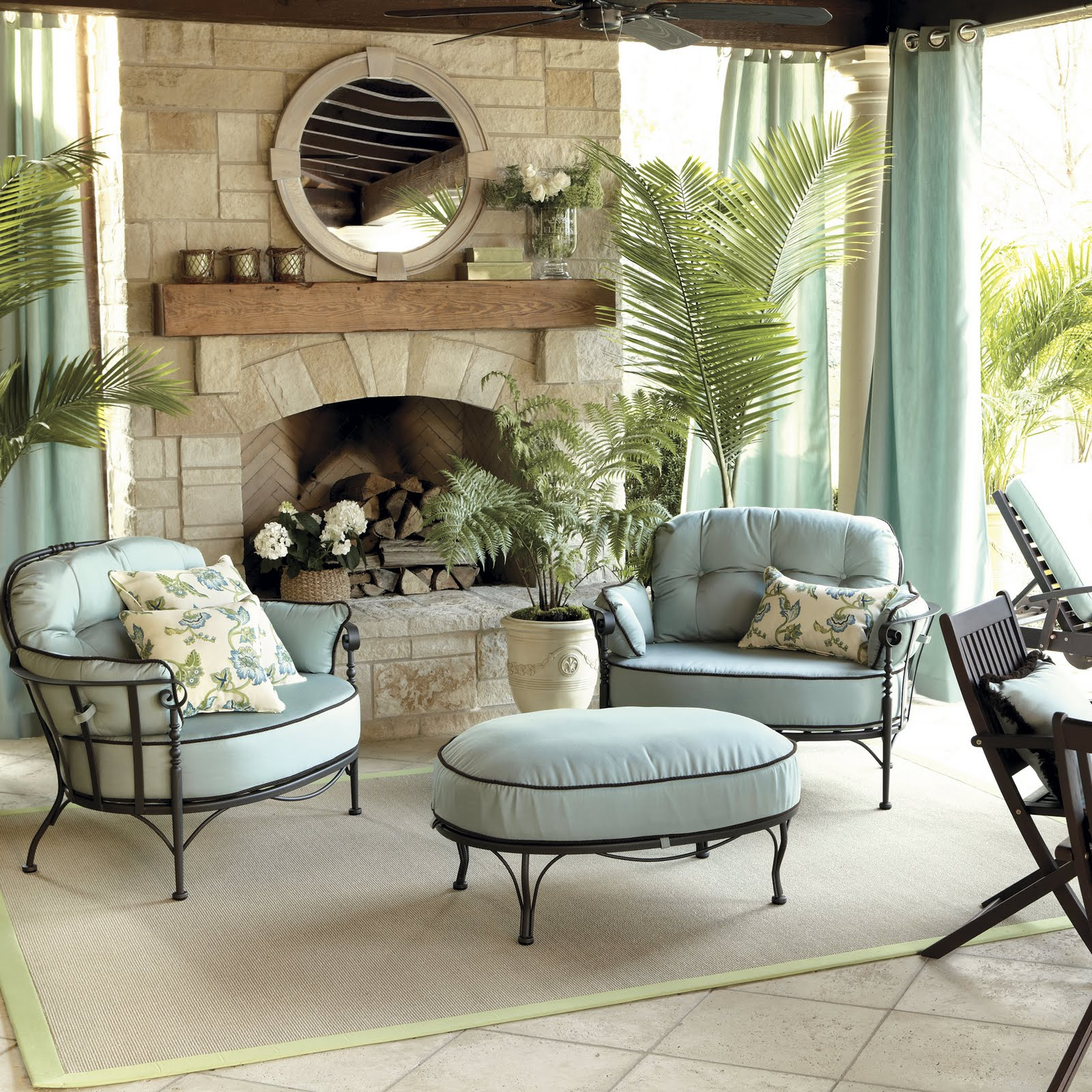Outdoor Living Room Design: STYLEBEAT: BALLARD DESIGNS TAPS ATLANTA'S SUZANNE KASLER
