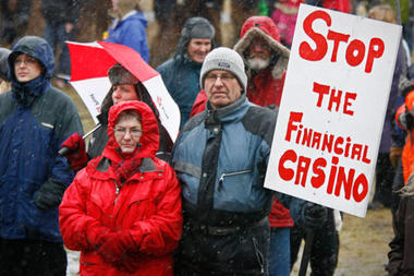 https://4.bp.blogspot.com/_6zzvXChJdcw/S9fmq9pCTAI/AAAAAAAACgM/vyZnTG874AQ/s1600/iceland-protest.jpg