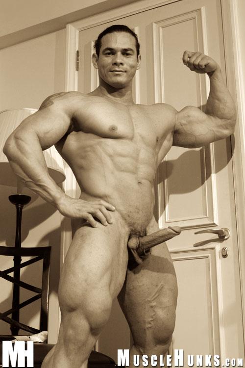 Tito Ortiz Nude Picture 36