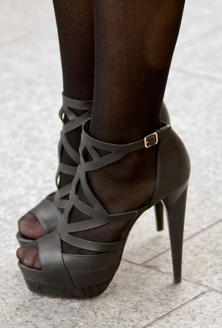 Can You Wear Peep Toe Shoes With Stockings