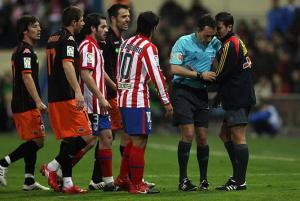 El cuarto árbitro en el Mundial podrá intervenir ...