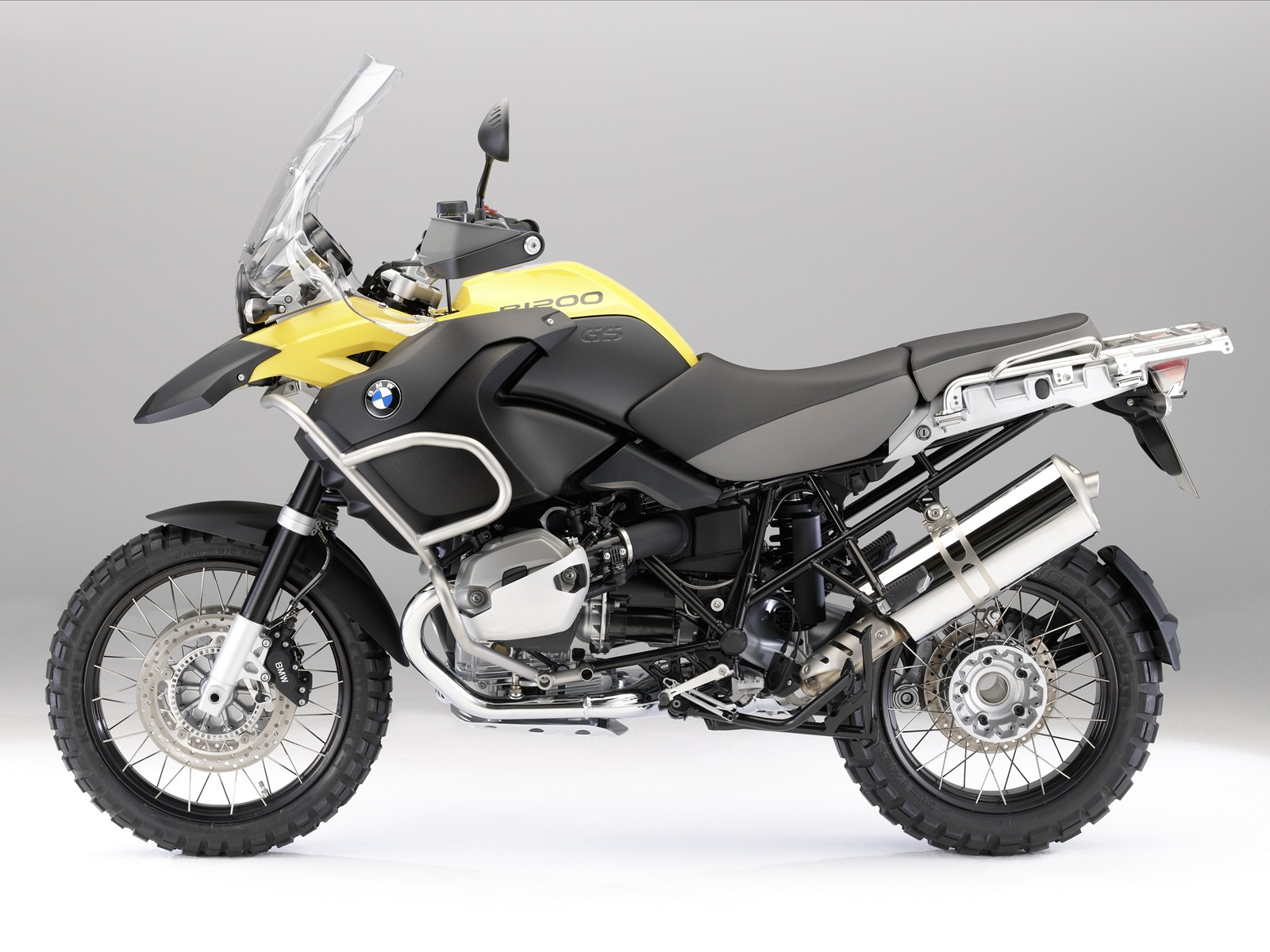 http://4.bp.blogspot.com/_71VYESfu88A/SwIG1tOhq2I/AAAAAAAABOE/cFVyvRSPWa8/s1600/The-New-BMW-R-1200-GS-Adventure-28.jpg