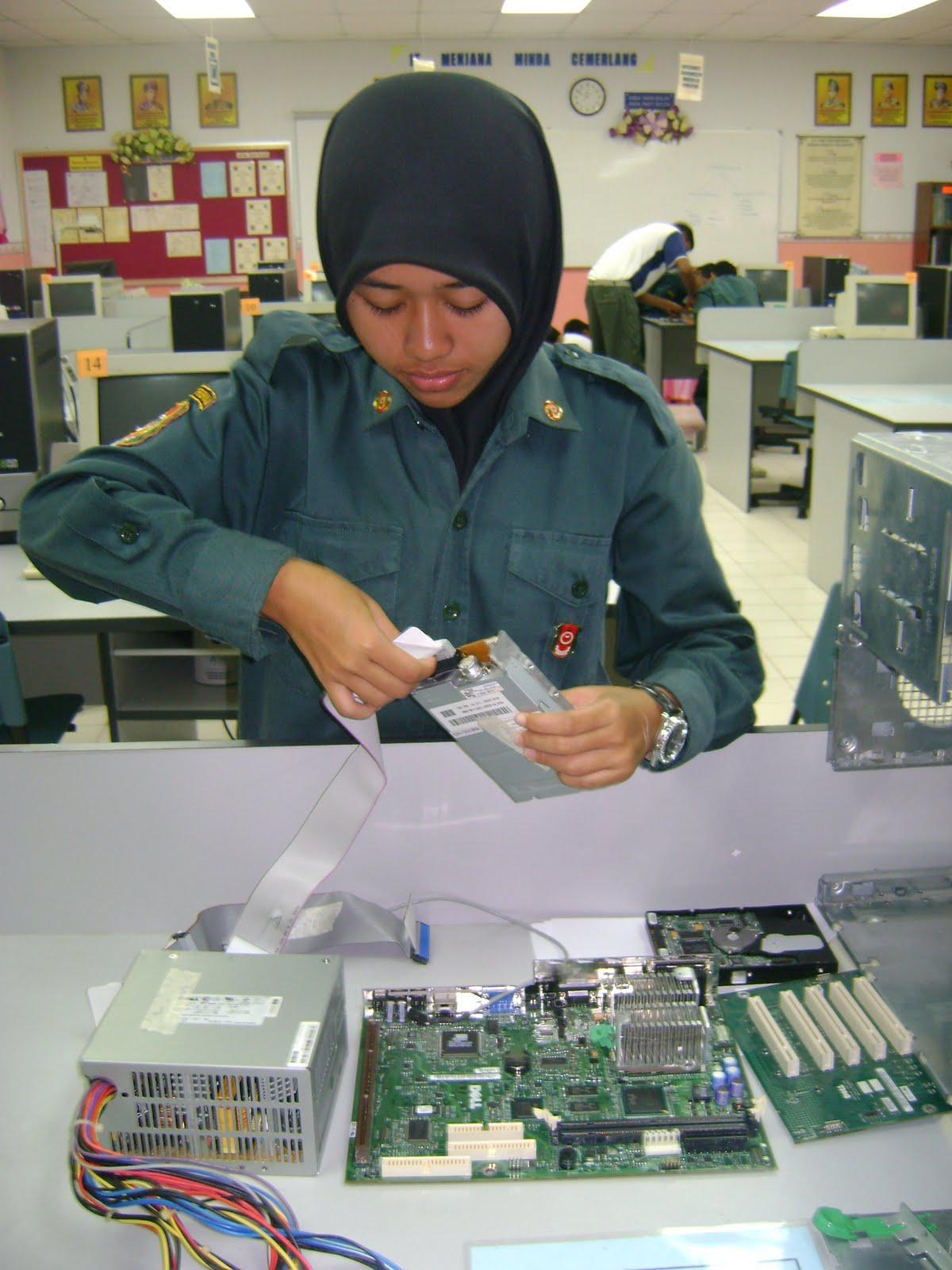 H@ppy...IT(information & technology): PC assembling.