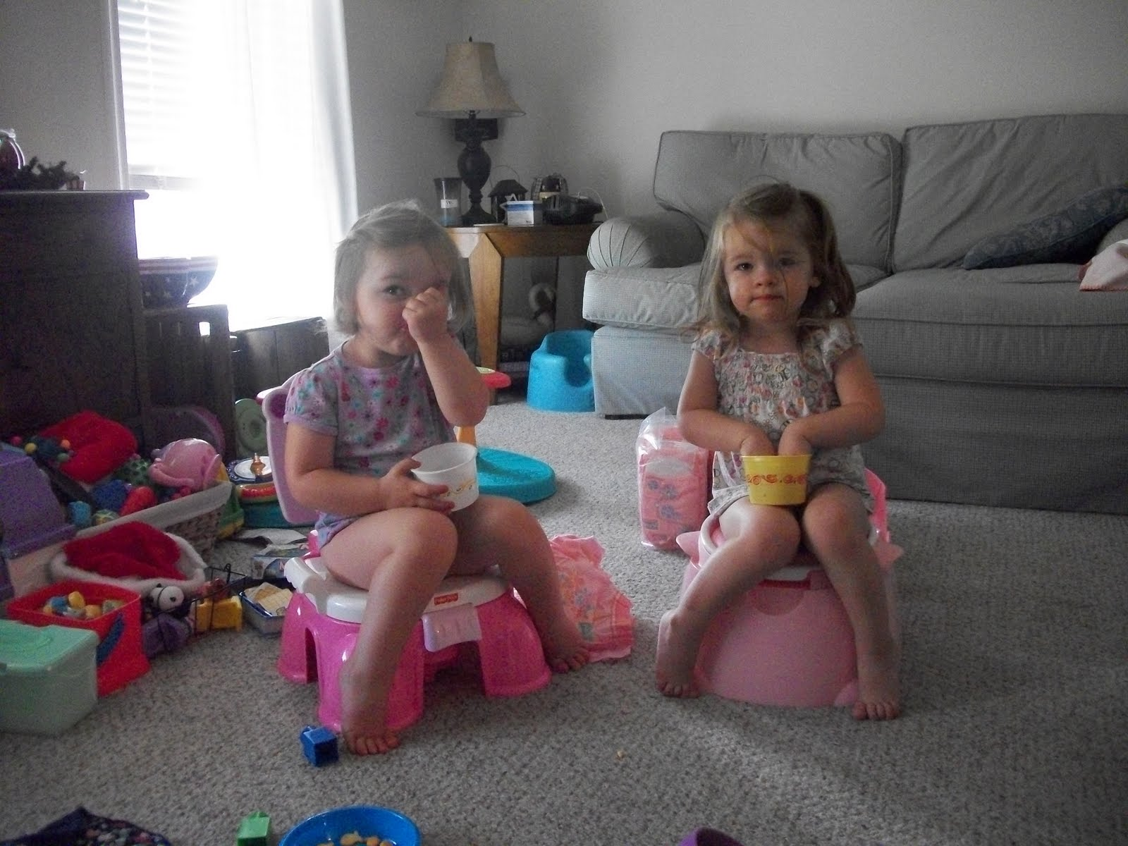 little girls potty images - usseek.com