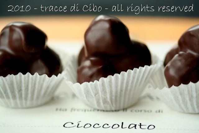 nocciole, giffoni, cioccolatini, cioccolatini con nocciola