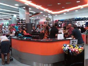 f84ce7714 Elite Decor Machine  Nova Loja Sport Zone em Madrid.