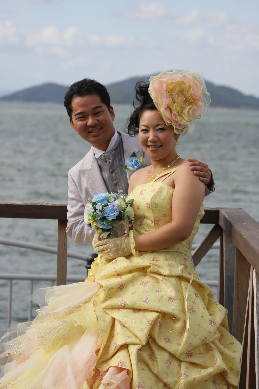b29c9e8948786 黄色(イエロー)のカラードレスを選んだ花嫁のブーケ・ヘアメイク ...