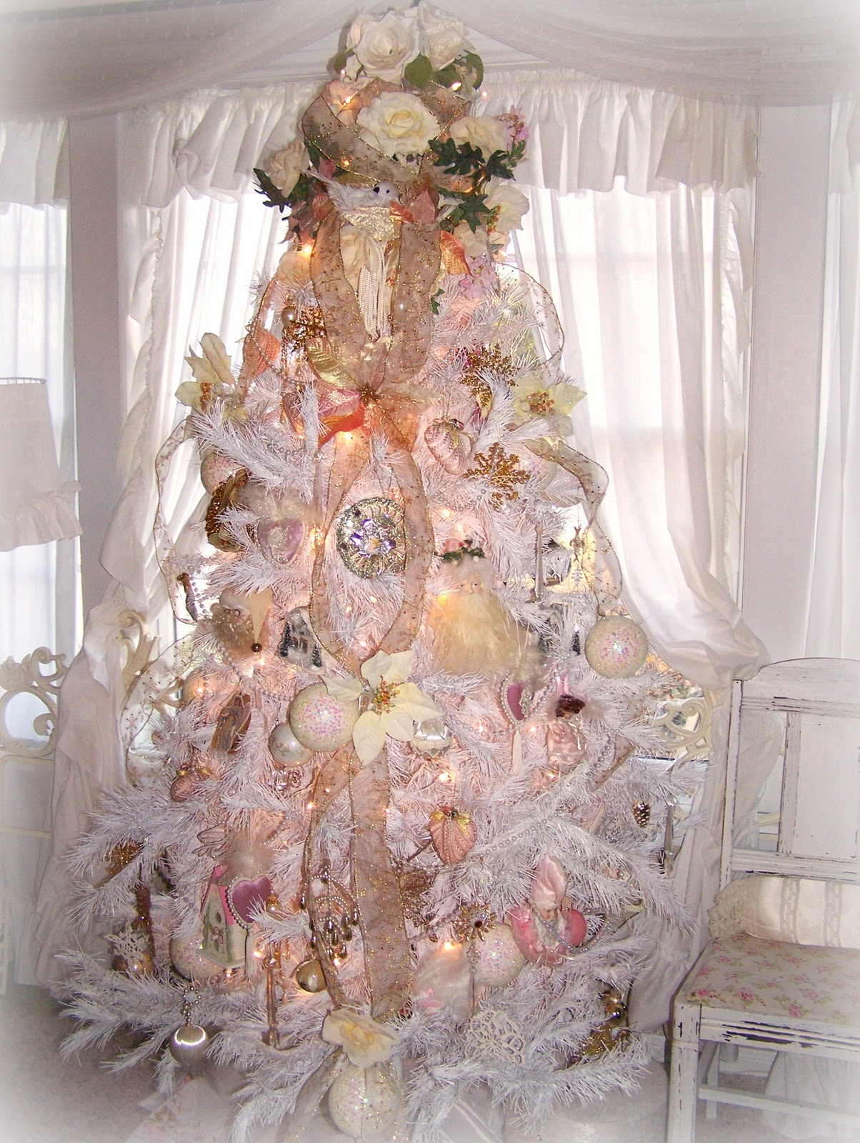 Olivia 39 s romantic home shabby chic white christmas tree for Maison chic shabby chic