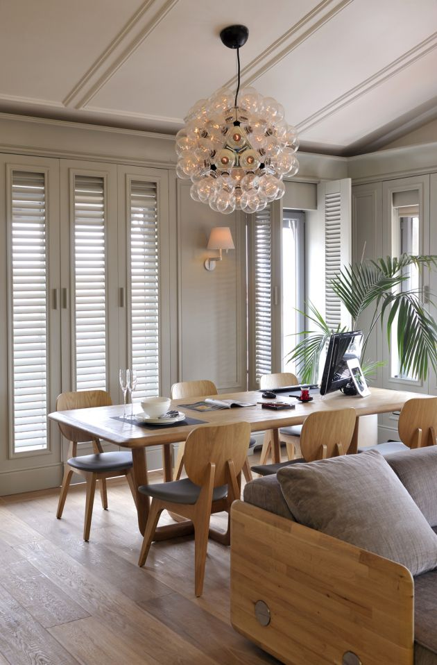 Kyandra Fab Dining Rooms With Refurbished Chairs
