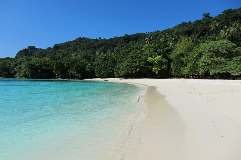 301/365 Champagne Beach, Espiritu Santo, Vanuatu ...