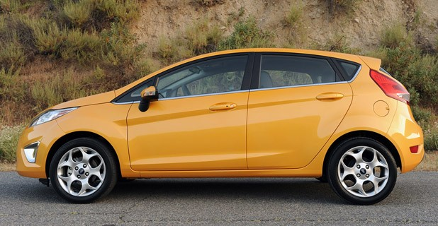 2011 Ford Fiesta SES Previews  Pictures  Gambar Foto