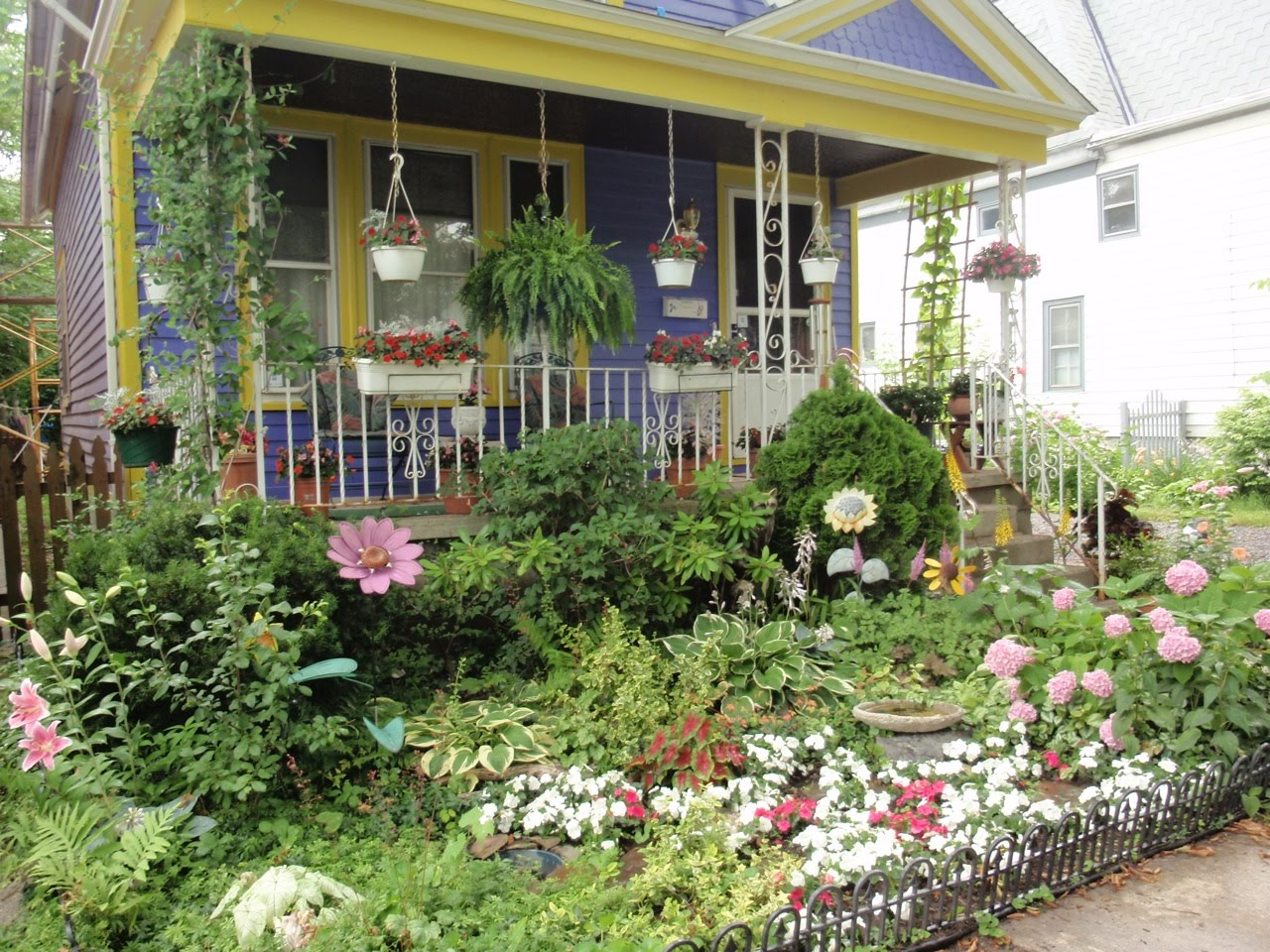 Sharing Nature's Garden: Cottage Gardens Enchant And