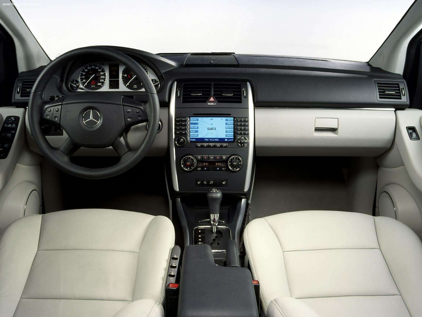 Mercedes benz mercedes benz classe b for Interieur mercedes classe b