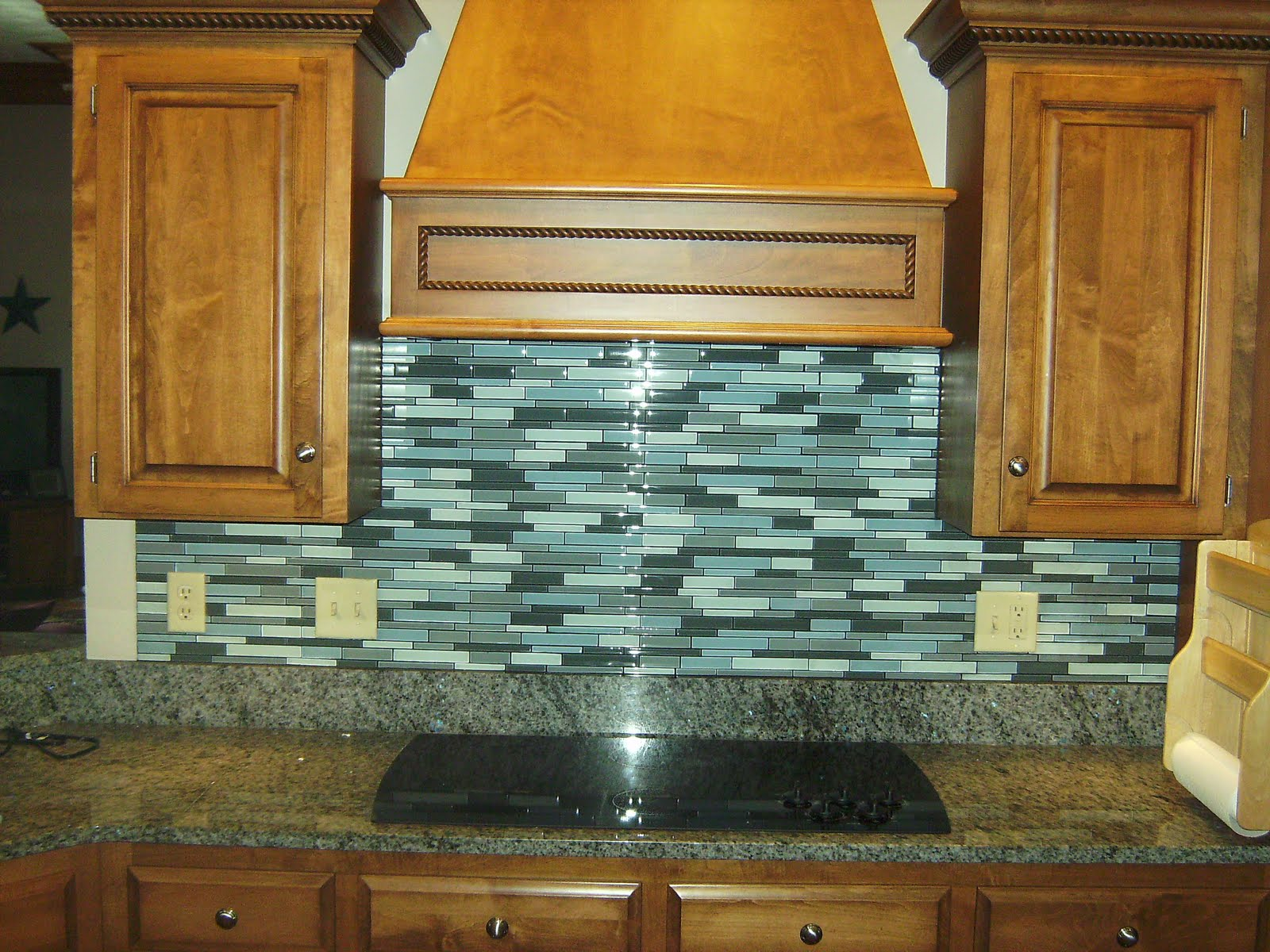 Glass Tile Kitchen Backsplash Caddy Knapp And Flooring Inc