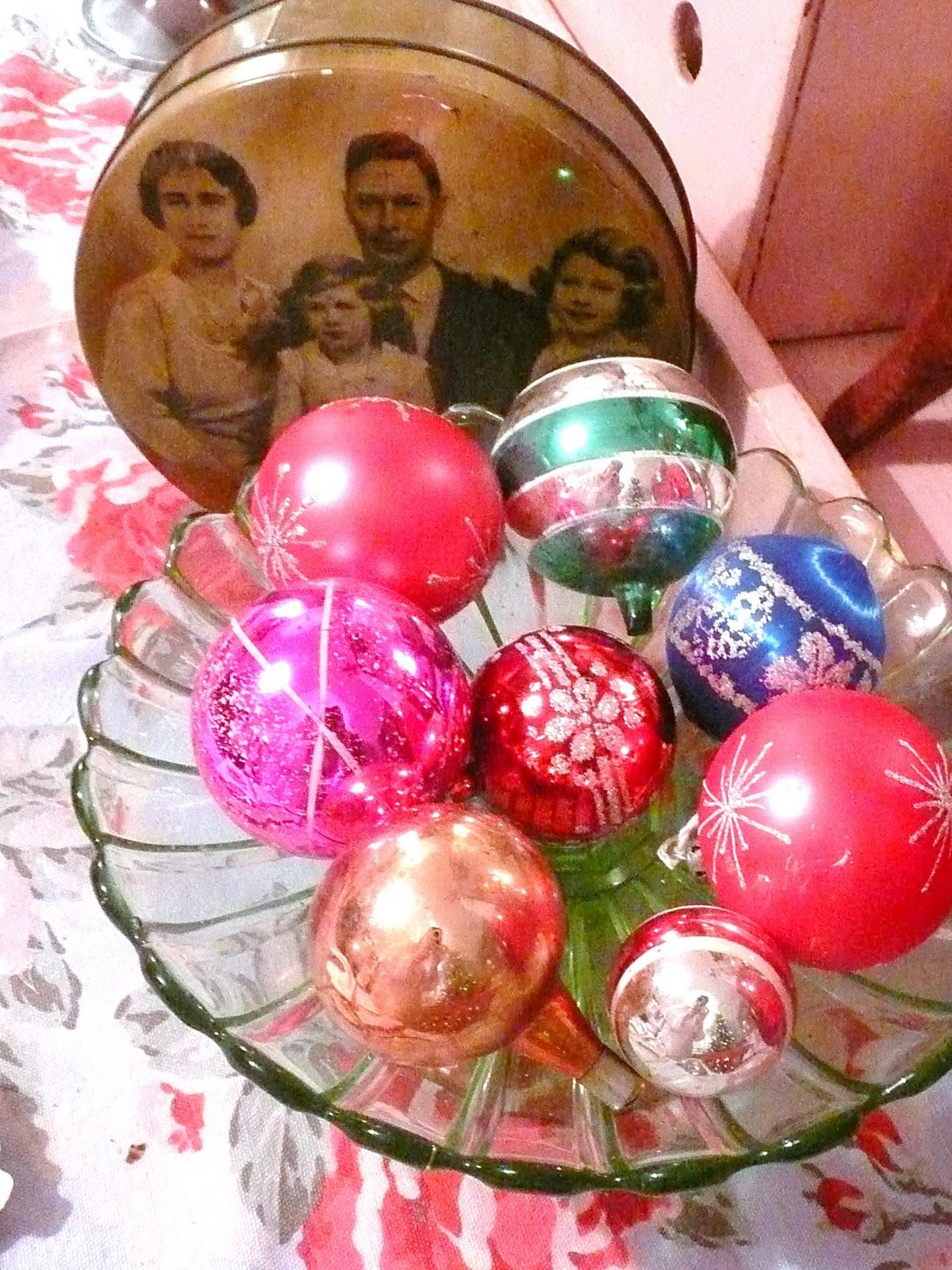 vintage christmas tree decorations