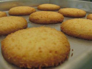 Resep Kue Kering Untuk Lebaran Idul Fitri 2017 : Biskuit Kelapa Roma Muda Aroma Kopi