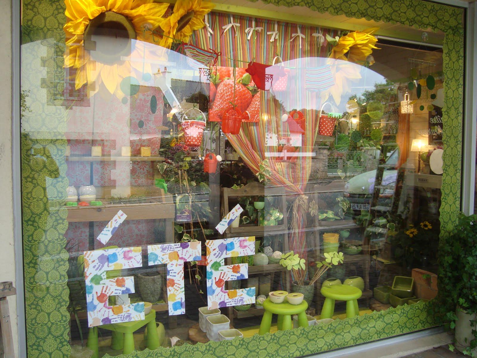 ma tre artisan fleuriste t 2010 le soleil restera dans la vitrine. Black Bedroom Furniture Sets. Home Design Ideas