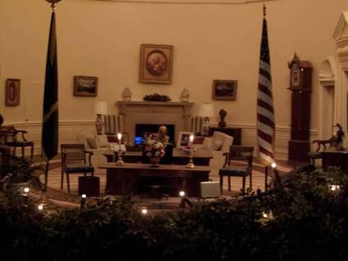 Miniature White House Model