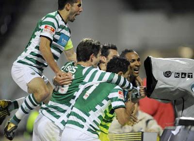 http://4.bp.blogspot.com/_7xaCnCRikWE/SepdQ5xMkUI/AAAAAAAADm8/eOlNi4E0-n0/s400/Sporting+CP+Brazilian+Liedson+Muniz+celebrates+his+goal.jpg