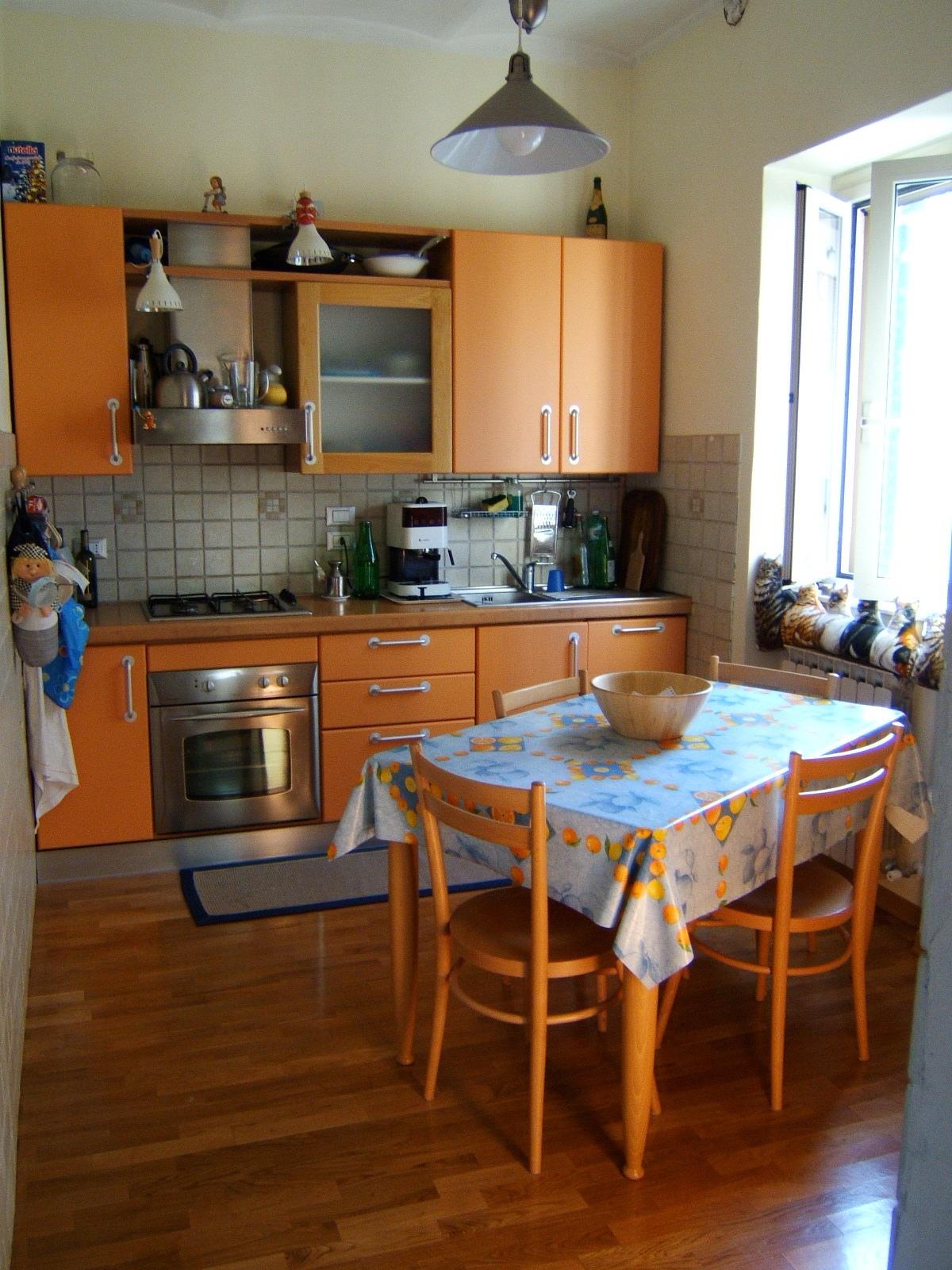 22 PASSI D\'AMORE e dintorni: La cucina con gli archi azzurri