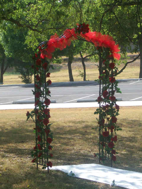 Tana S Blog Tulle And Draping Decorate This Garden Arbor