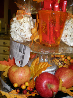 fall cake plates, Paper edged cake plate, Fall Decorations